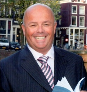 Dr. Raimond van Duinen Specialist Biomaterials, Clinical and research expert, Biomimetic Dentistry